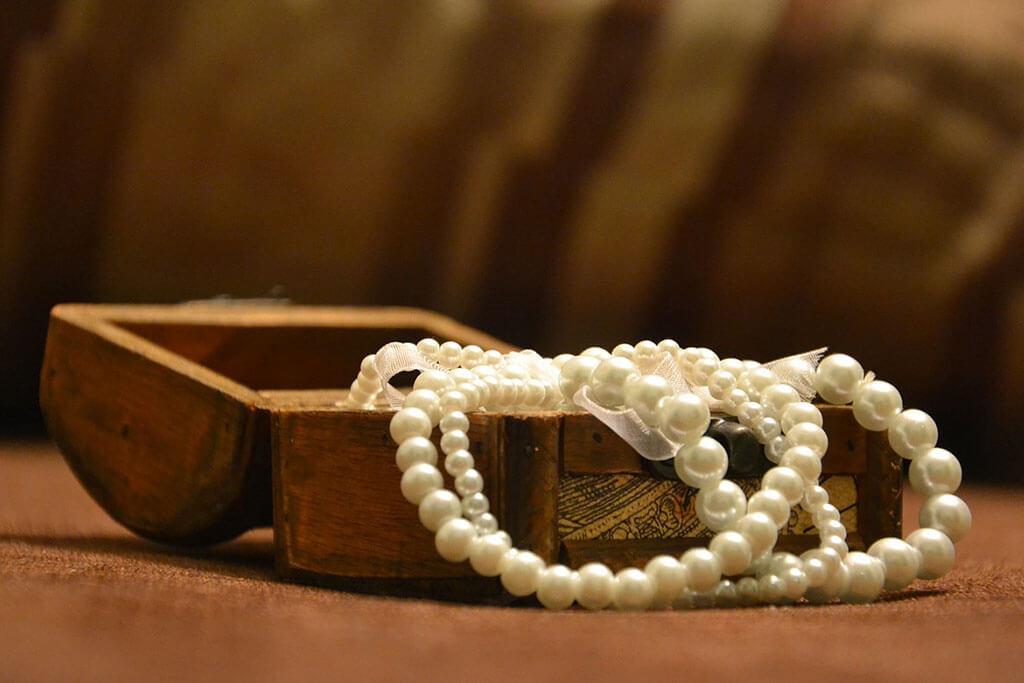 Juwelier Mayer Unternehmensphilosophie Schmuckkästchen Perlen